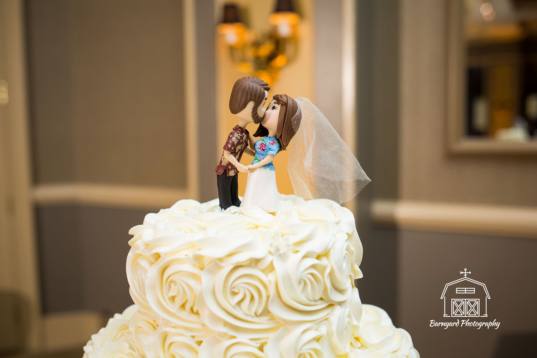Cute kissing couple cake topper