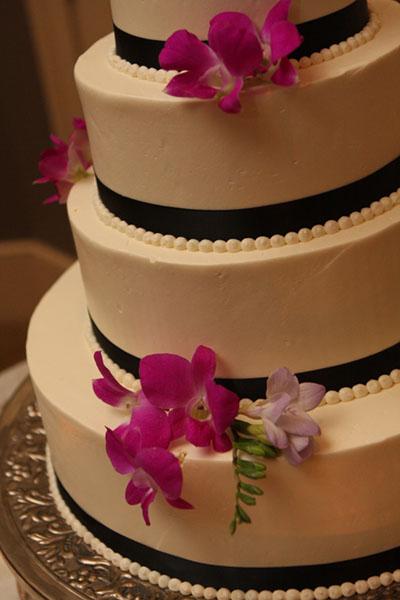 Round Layer Ribbon Cake