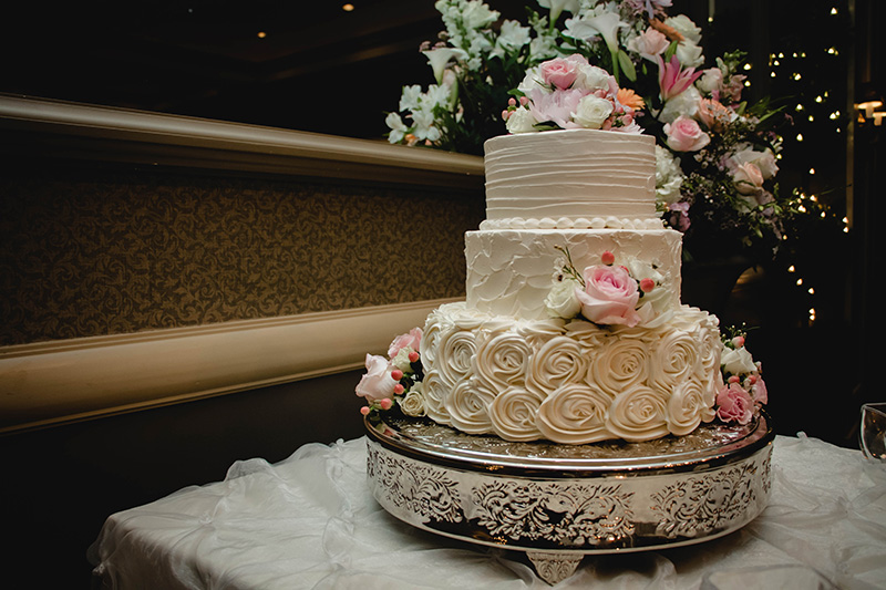Cake with Pink Roses and Rose Icing